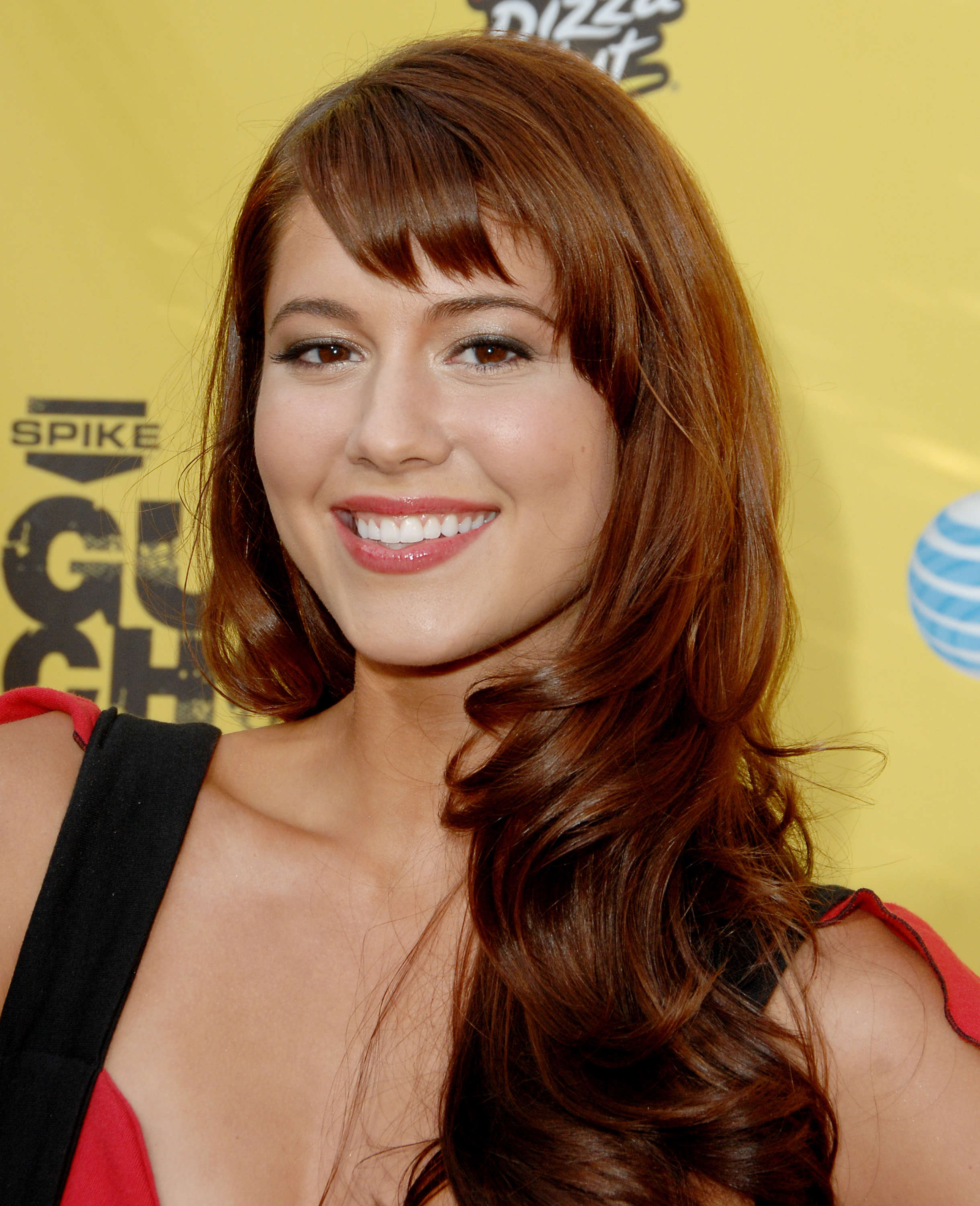 "June 09: Spike TV's ""Guy Choice' Awards"" - 008 - Adoring Mary Elizabeth  Winstead 